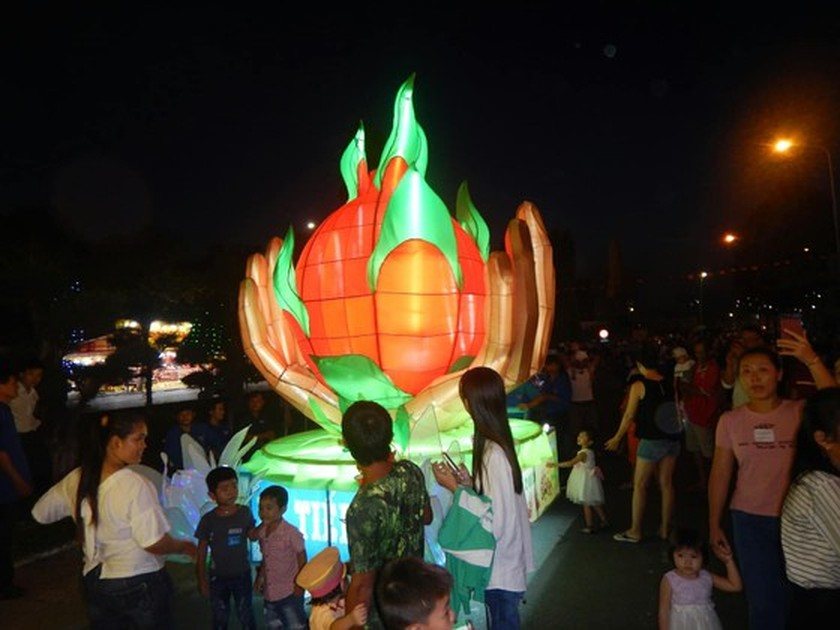 Country's biggest Mid-Autumn Festival in Phan Thiet city ảnh 3