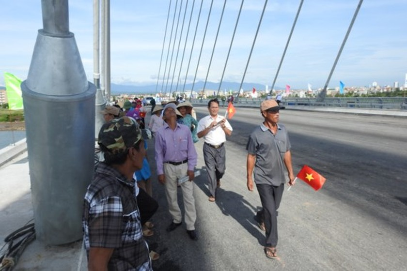 Nhat Le 2 Bridge officially opened to traffic  ảnh 1