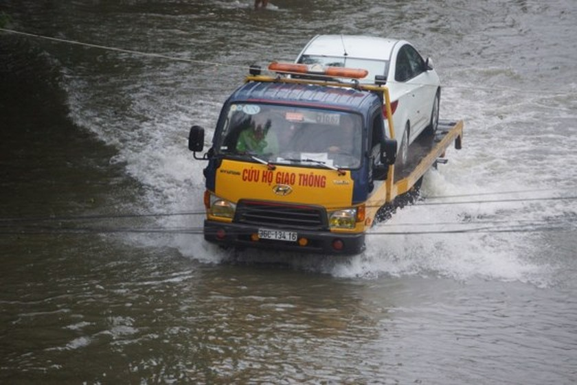Downpour causes serious flooding in Thanh Hoa ảnh 5