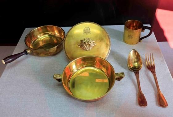 Đà Lạt: Bộ hiện vật cung đình triều Nguyễn lần đầu được giới thiệu ảnh 7