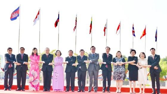 Kỷ niệm 50 năm thành lập ASEAN tại TPHCM ảnh 2