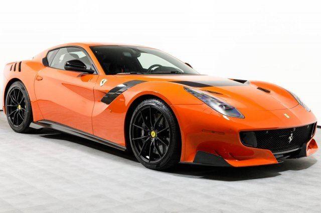 Vẻ đẹp của chiếc Ferrari F12tdf có giá bán siêu đắt đỏ trên thế giới, giá từ 31,8 tỷ Đồng - Ảnh 2.