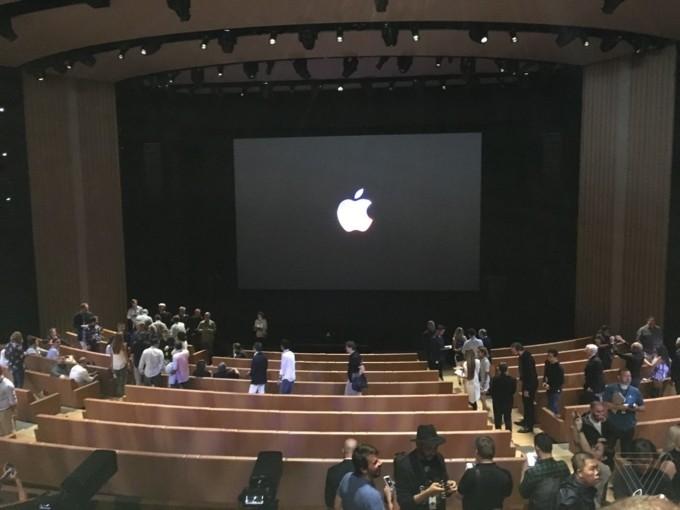 iPhone 8/8 Plus và iPhone X chính thức được ra mắt ảnh 126